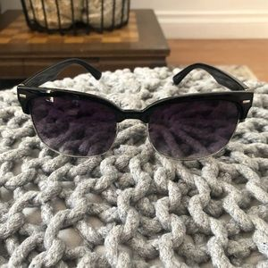 Women's sunglasses missing the nose pieces